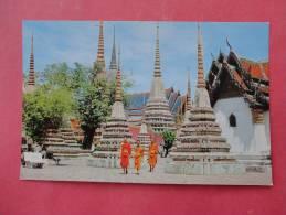 Thailand -  Bankok-  Inside Wat Pho - Early Chrome---- Ref- 841 - Indonesien