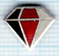 Pin's Diamant Noir Rouge Blanc - Badges