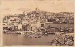France Marseilles Vue sur Notre Dame de la Garde et le bassin de