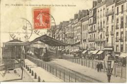 NANTES - Le Quai De La Fosse Et La Gare De La Bourse - Le Train - Nombreux Commerces - Nantes