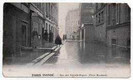 Cpa - Paris Inondé - Rue Des Grands Degrés (place Maubert - Crue De La Seine - Inondations) - Inondations De 1910