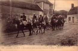 Guerre1914 Patrouille De Spahis Marocains Traversant Le Village De Ribécourt - Régiments