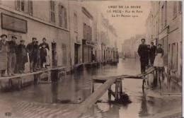 FRANCE: LE PECQ;(-78.):Crue De La Seine.Rue De Paris .Le Ier Février 1910.Non écrite.Nombreux Personnages. - Inondations