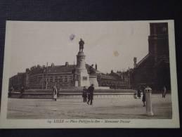 LILLE (Nord) - Place Philippe-le-Bon  - Monument Pasteur - Animée - Correspondance - Petites Tâches (voir Scans) - Lille