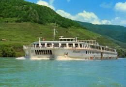 01591 Motorschiff MOZART  Auf Der Donau - Erste Donau-Dampfschiffahrts- Gesellschaft - Paquebots