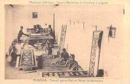 Missions D´Afrique-Soeurs Blanches Du Cardinal Lavigerie-Rwanda RUANDA-travail Genre Filet  Fibres De Bananiers(religion - Rwanda