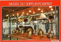 CPM 68 (Haut-Rhin) Mulhouse - Musée Du Sapeur-pompier, Collection De Casques - Brandweer