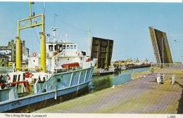 Suffolk Postcard - The Lifting Bridge, Lowestoft  D54 - Lowestoft