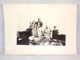 Photo. Couples Avec Chien Sur Bateau. Pharm.Drog.Photo 1938. - Personnes Anonymes