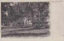 Madagascar Fort Dauphin Monument Des Soldats Tues A L'Ennemi - Madagascar