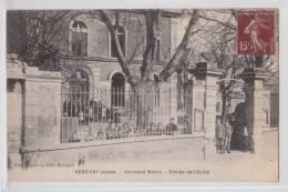 VERSIGNY - Ancienne Mairie - Entrée De L'Ecole - Coll. Becquet - Non Classés