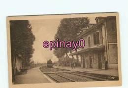 Br - 03 - DIOU - La Gare - édit. Combier - - France