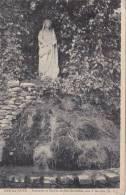 Cp , 10 , BAR-sur-AUBE , Statuette Et Source De Ste-Germaine , Sise à Mi-côte - Bar-sur-Aube