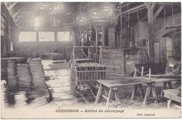 GUEUGNON. Atelier De Découpage. - Gueugnon