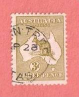 AUS SC #5 Used - 1913 Kangaroo And Map W/nibbed Perf @ TR, CV $17.50 - Used Stamps