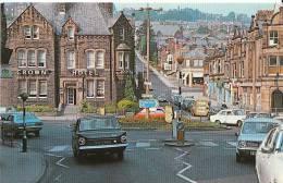 Derbyshire Postcard - Crown Square, Matlock, Derby  Z747 - Derbyshire