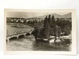 CPM Suisse - GENEVE - L'Ile Jean Jacques Rousseau Et Le Pont Du Mont-Blanc - GE Genève