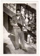 Photo Soldat / Militaire & Son Arme - Guerre, Militaire