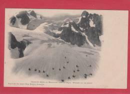 CHASSEURS ALPINS --> En Manoeuvres Dans Les Alpes. Glissade Sur Un Glacier - Manovre