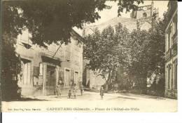 CPA  CAPESTANG, Place De L'Hôtel De Ville  6660 - Capestang