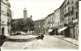 CPSM  CLERMONT L'HERAULT, La Place Du Marché  6687 - Clermont L'Hérault