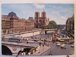 75 - Paris - Notre Dame - Le Pont Et Le Quai Saint Michel - Scan Recto-verso - Notre Dame De Paris