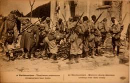 CPA 14/18 Neufmontiers  Tirailleurs Marocains Inventoriant Leur Butin (C 674) - Guerra 1914-18