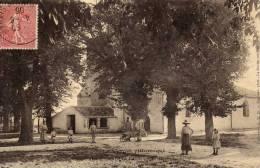 Champagné Les Marais .animée La Rue De L église...la Gare....Vendée - La Chataigneraie