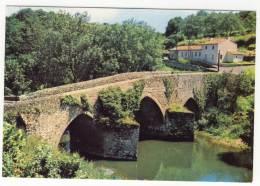 ARGENTON CHATEAU. - Le Pont Neuf.  CPM - Argenton Chateau