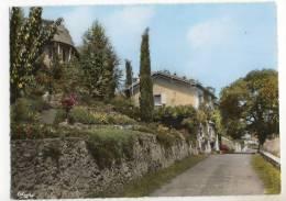 ARGENTON CHATEAU. - Maisons Fleuries.  CPM - Argenton Chateau