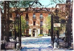AIX EN PROVENCE Capitale De La Provence - Les Thermes Sextius - Cpsm Non écrite Correcte - Aix En Provence
