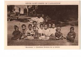 ASIE---BIRMANIE-MANDALAY---quelques Enfants De La Creche--voir 2 Scans - Myanmar (Burma)