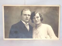 Photo Carte. Couple Elégant. Foto B.Willemsen. Aalst. Alost. - Personnes Anonymes