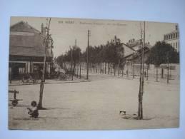 REIMS  BOULEVARD POMMERY VERS LES CASERNES - Reims
