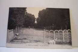 BRAY SUR SOMME -un Coin Du Jeu De Paume - Bray Sur Somme