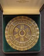 M01065 Rotary International, Roue, Bruxelles Vésale Par Fisch (134 G.) - Otros