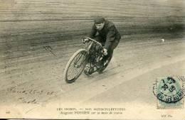 N°29152 -cpa Thème Moto -Auguste Fossier Sur Sa Moto De Course- - Motos