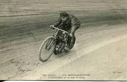 N°29155 -cpa Thème Moto -Danglard Sur Sa Moto De Course- - Motos