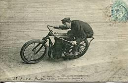N°29157 -cpa Thème Moto -Cissac Détentuer Du Brassard N°26 - Motos