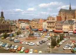 SAINT-QUENTIN: Place De L'Hôtel De Ville (parking) - Saint Quentin