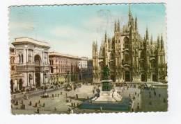 Mar13  59807   Milano  Place De La Cathédrale - Autres