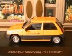 RENAULT 5 SUPERCINQ LA POSTE UNIVERSAL HOBBIES 1/43 JAUNE SUPER CINQ PTT YELLOW - Voitures, Camions, Bus