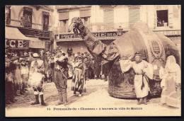 CPA ANCIENNE- FRANCE- BEZIERS (34)- PROMENADE DU CHAMEAU- TRES BELLE ANIMATION GROS PLAN- DEVANT PATISSERIE DUC - Beziers