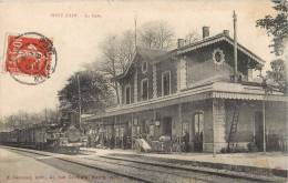 PONT-D'AIN LA GARE TRAIN LOCOMOTIVE 01 AIN - Francia