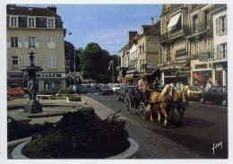 FONTAINEBLEAU-Fontaine,Ru E Grande (très Animée,bel Attelage,banque BRED,voitures Dont Citroen 2CV,pub Bière KANTERBRAU) - Fontainebleau