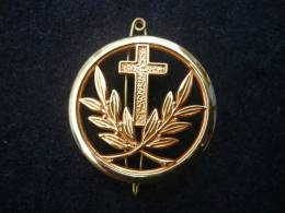 FRANCE : RARE INSIGNE BERET AUMONIER CATHOLIQUE 100% NEUF