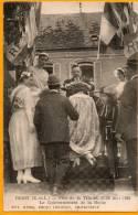 28 DIGNY. Fête De La Trinité 1923. Le Couronnement De La Reine. Gros Plan Animé - Autres Communes