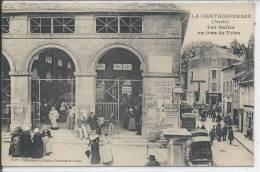 LA CHATAIGNERAIE - Les Halles Un Jour De Foire - La Chataigneraie