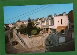 Boussu-lez-Walcourt - Hôtel -GRIL La Tourette  CPM  Année 1980  Petite Animation EDIT  SMETZ - Boussu