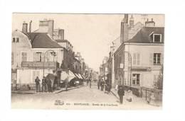 CPA :45 - Loiret : Montargis : Entrée De La Porta Dorée : Animation , Magasins , Location De Chevaux ... - Montargis